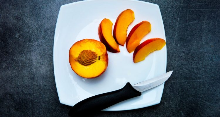 Fruits you must eat while breastfeeding